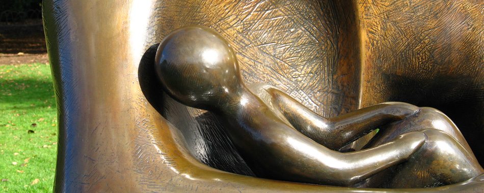 bronze sculpture by Henry Moore