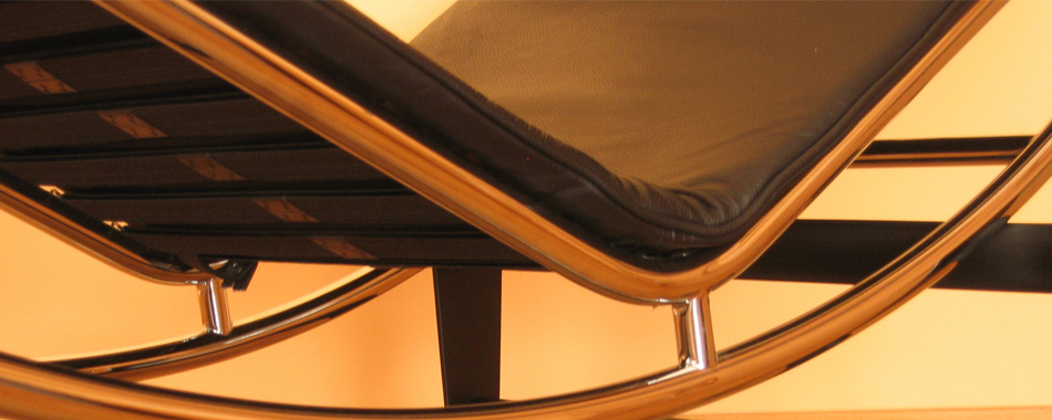 close up of le Corbusier recliner
